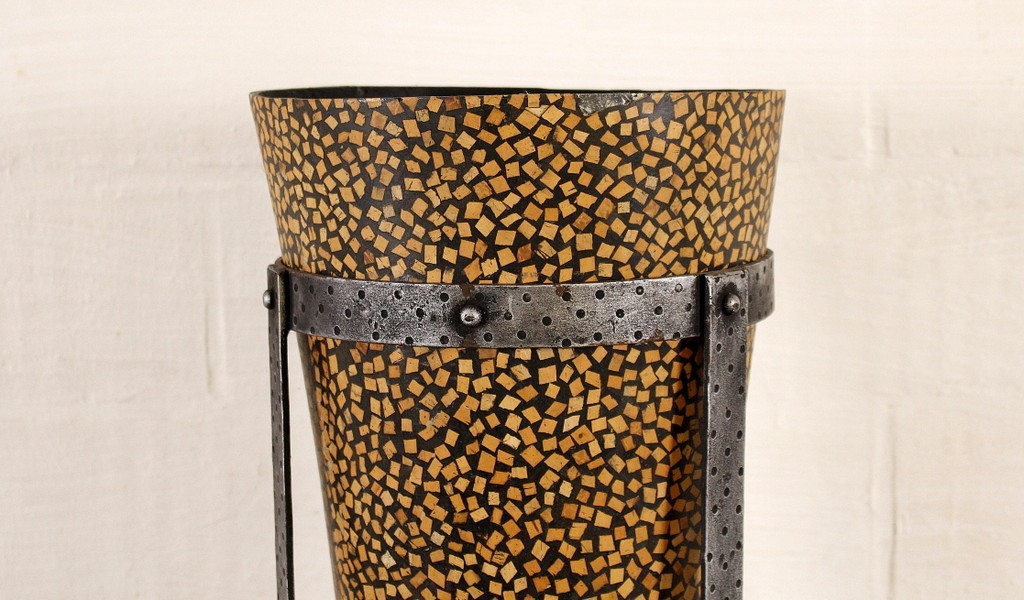 Decorative wooden vasethumbnail