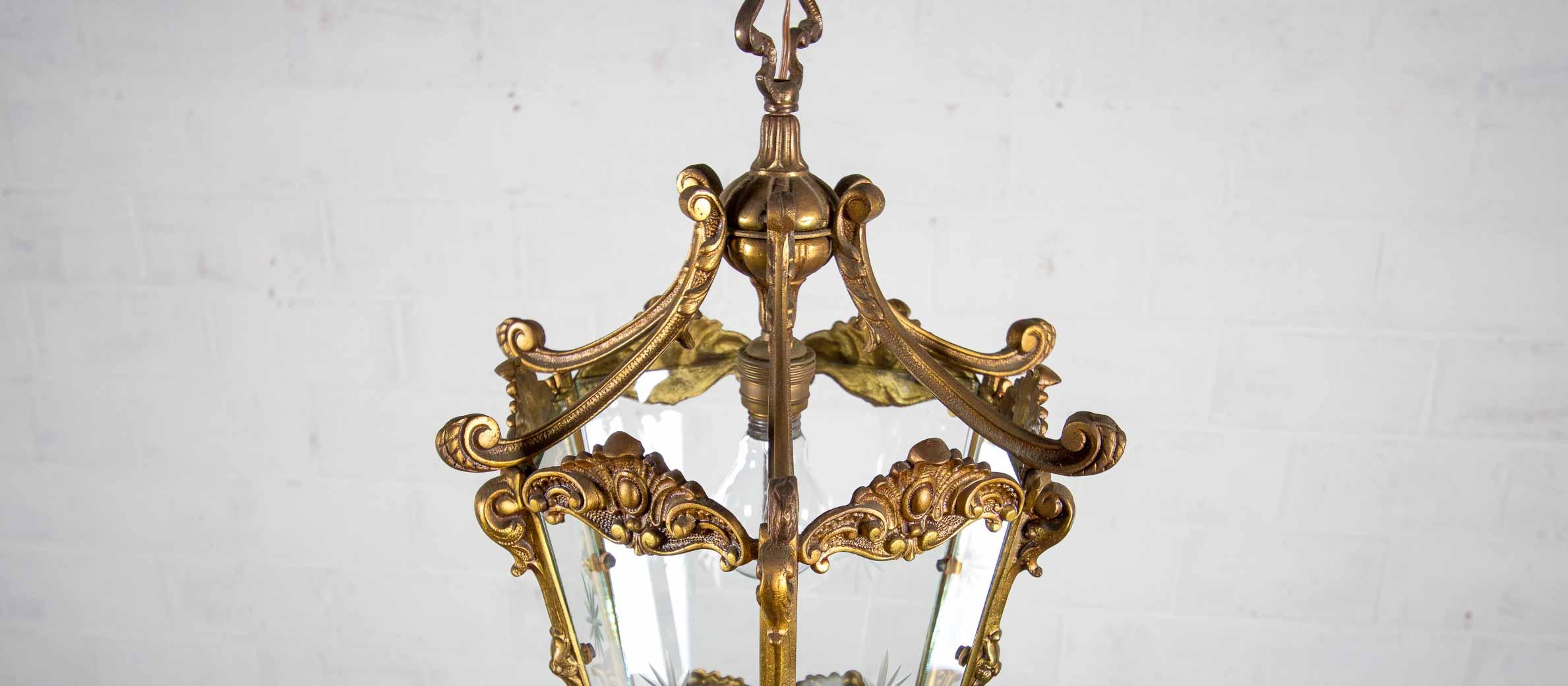 Bronze antique chandelierthumbnail